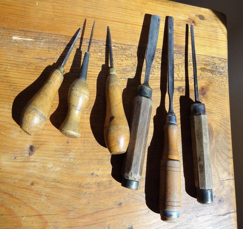 anciens outils menuisier charpentier art populaire